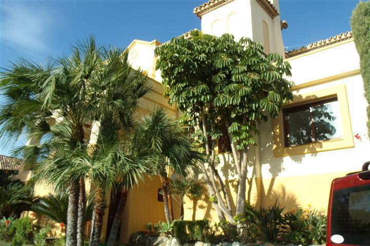 Villa Detached in El Paraiso, Costa del Sol