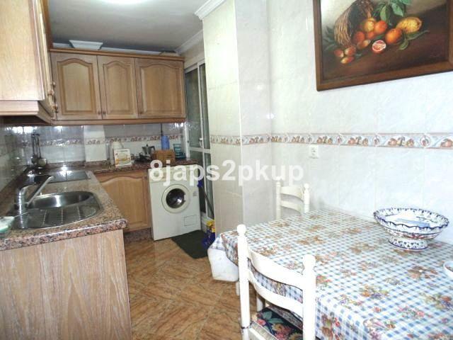Appartement  Rez-de-chaussée en vente   à Estepona