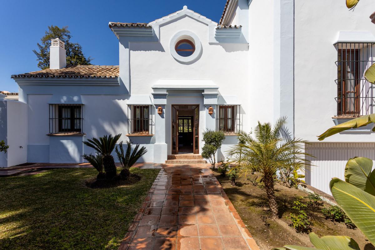 Villa, Individuelle en venta en Guadalmina Alta