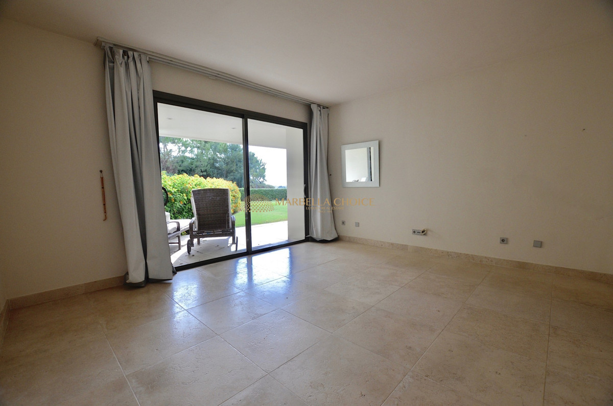 Apartment Ground Floor in Los Flamingos, Costa del Sol