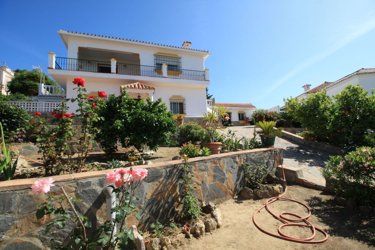 Villa  Detached 													for sale  																			 in Guadiaro