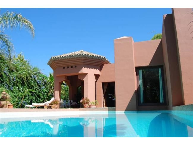 Villa, Detached for sale en Puerto Banús