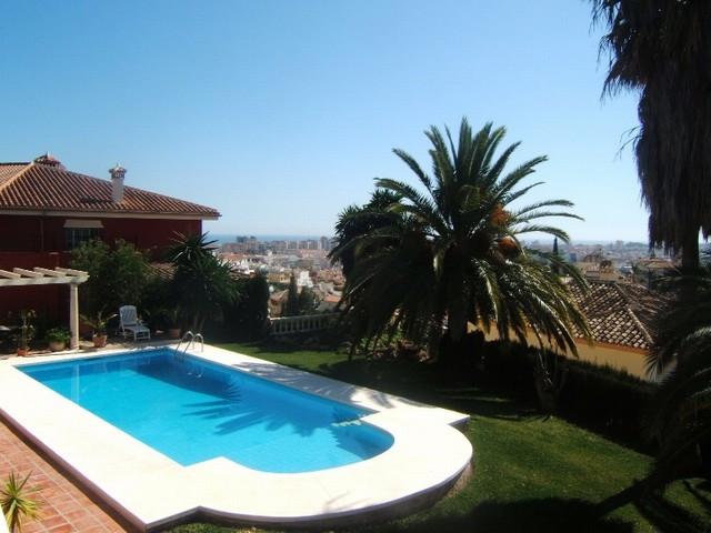 Villa  Detached for sale   in El Coto