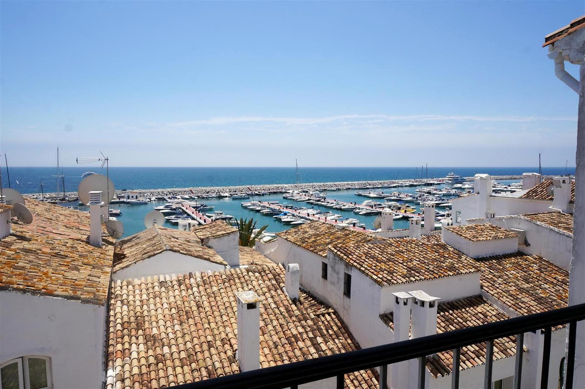 Apartment  Middle Floor for sale  and for rent  in Puerto Banús
