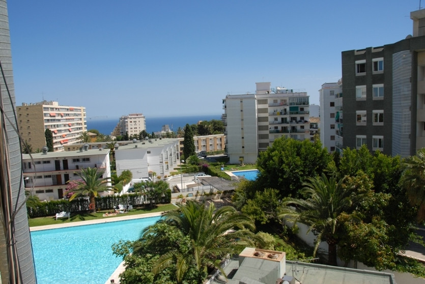 Apartment  Middle Floor for sale   in Benalmadena Costa