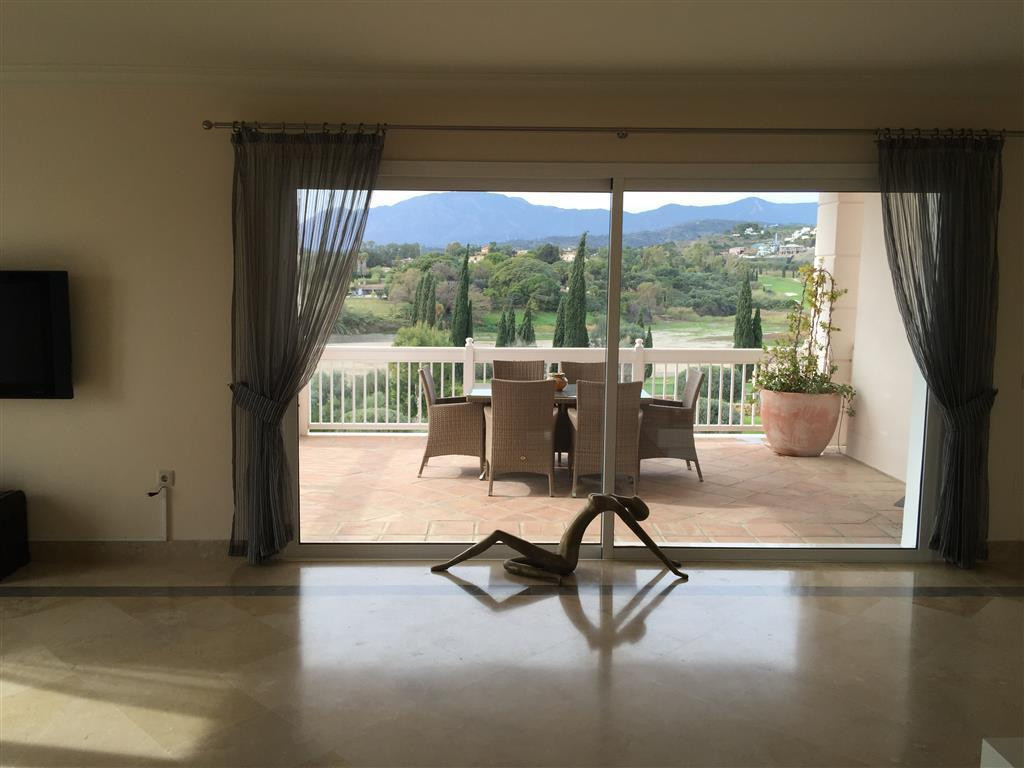 Apartment  Middle Floor for sale  and for rent  in Los Flamingos
