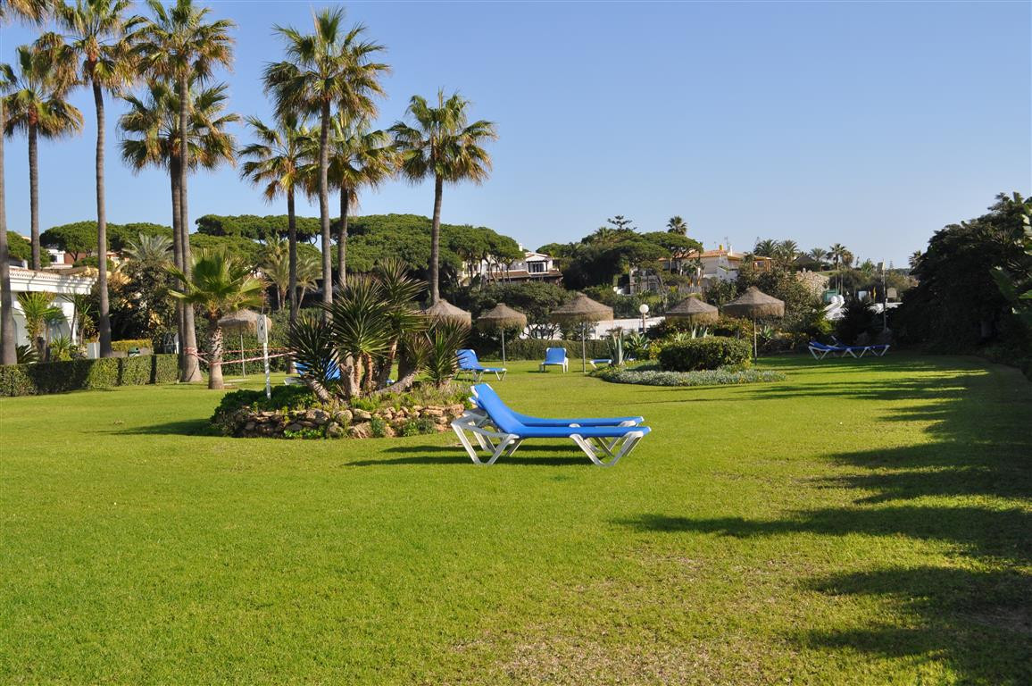 Apartment  Middle Floor for rent  in Cabopino