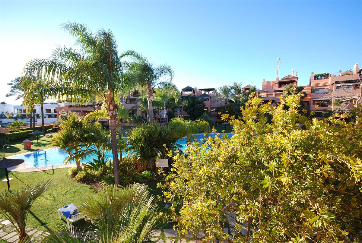 Apartment, Ground Floor for sale en Estepona