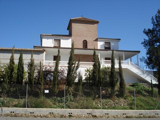 Villa  Independiente en venta   en Alora