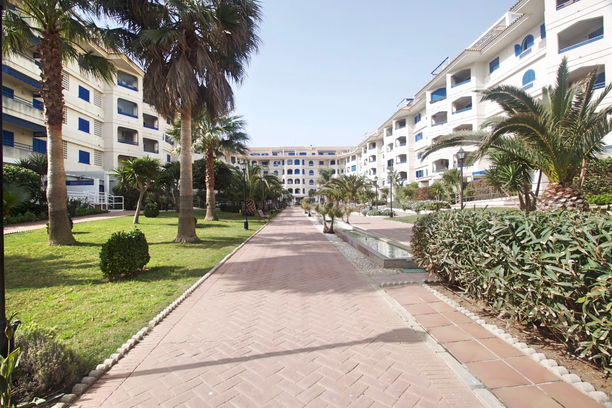 Apartment  Ground Floor 													for sale  																			 in San Luis de Sabinillas