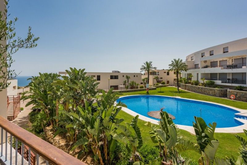 Apartment  Middle Floor 													for sale  																			 in Los Monteros