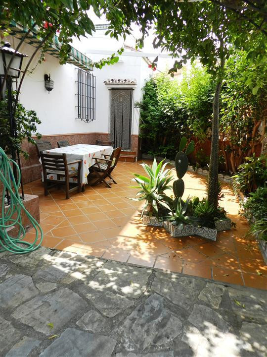 Villa  Semi Detached for sale  and for rent  in Casares Playa