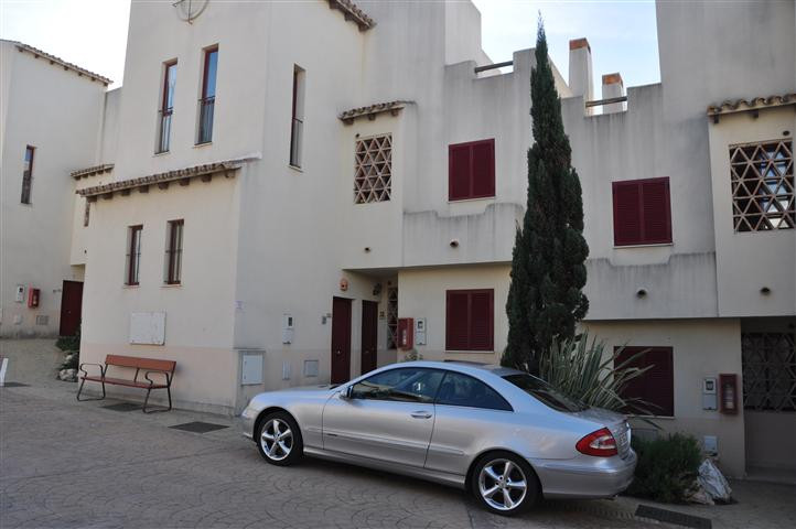 Apartment  Ground Floor 																					for rent 																			 in Casares Playa