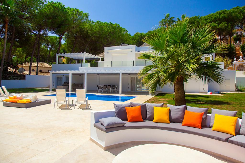 Villa  Detached for rent  in Nueva Andalucía