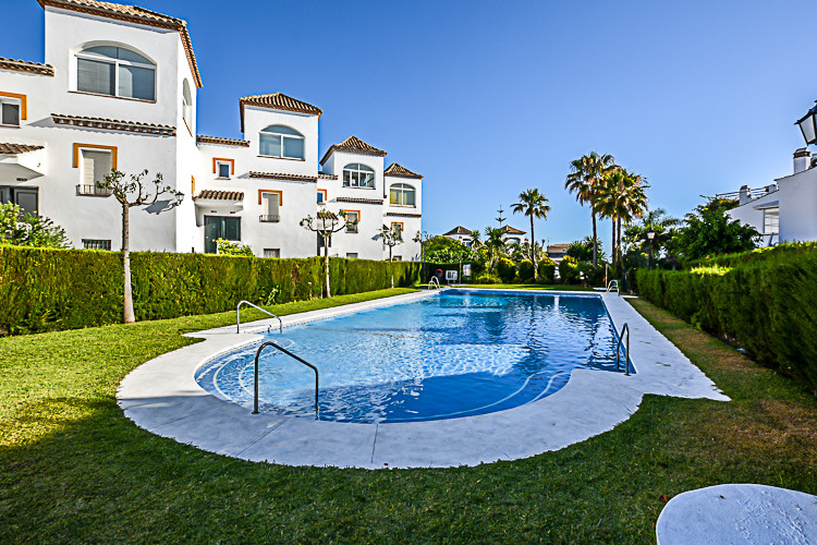 Apartment  Middle Floor for sale   in Costabella