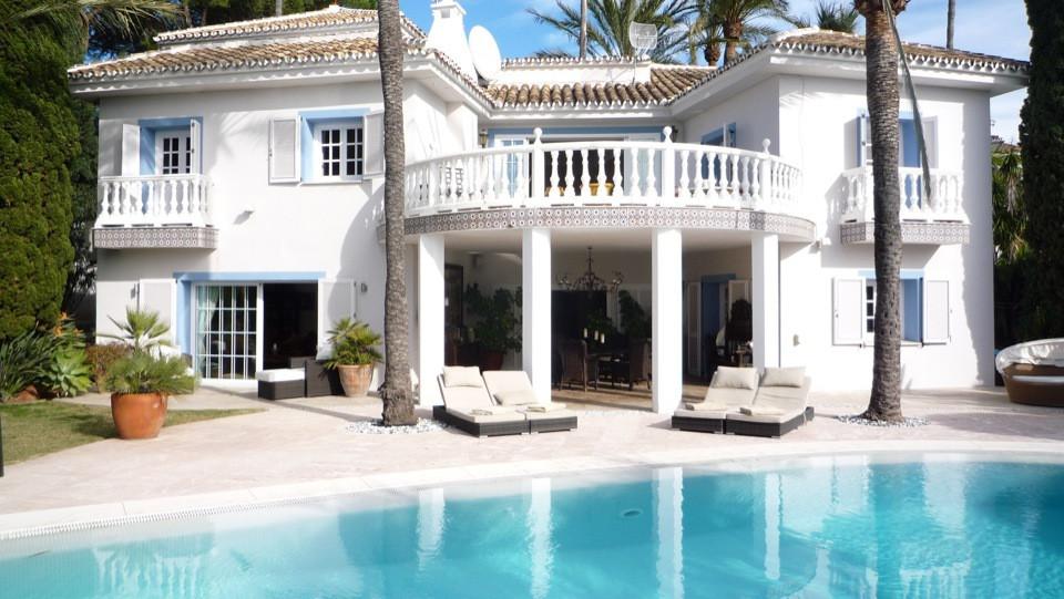 Villa  Individuelle en location  à Los Monteros