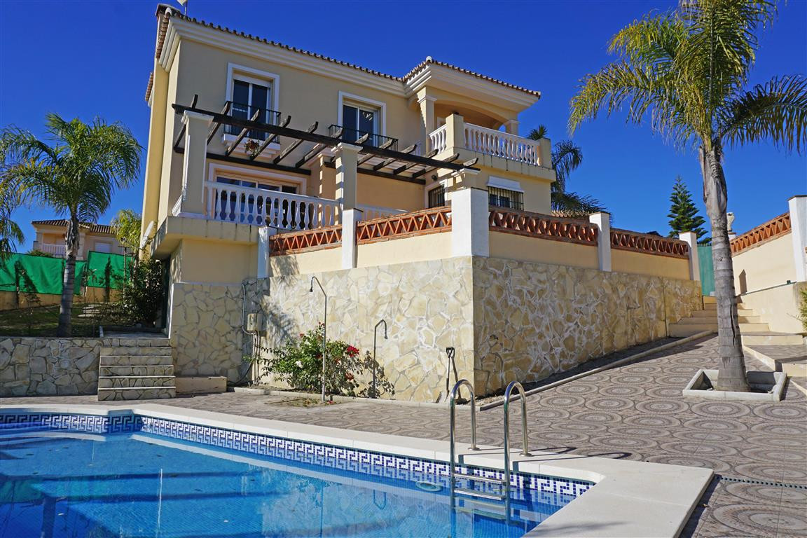 Villa  Detached 													for sale  																			 in Coín