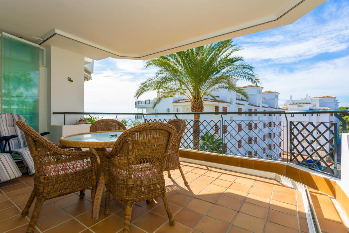 Appartement  Mi-étage en location  à Calahonda