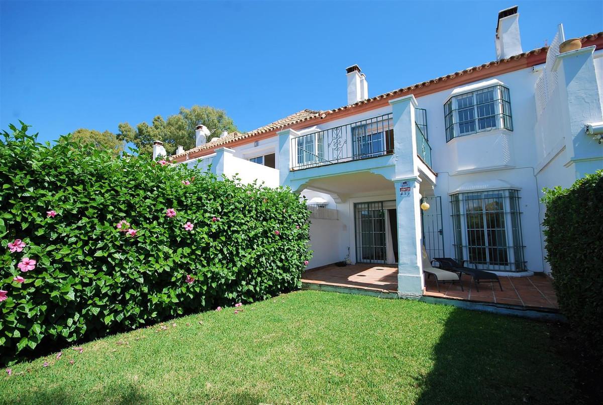 Villa, Semi Detached for sale en Guadalmina Baja