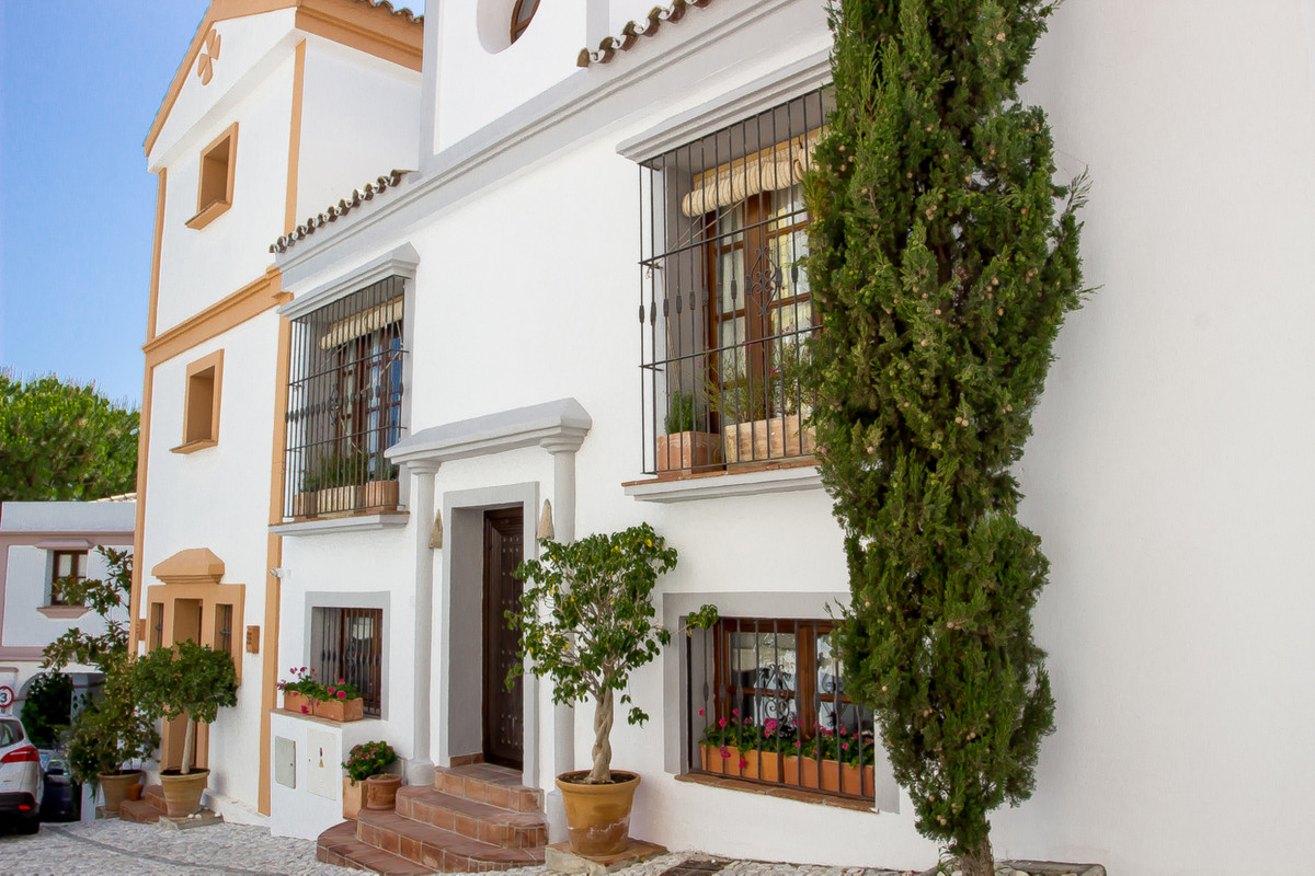 Townhouse  Terraced for sale  and for rent  in La Heredia