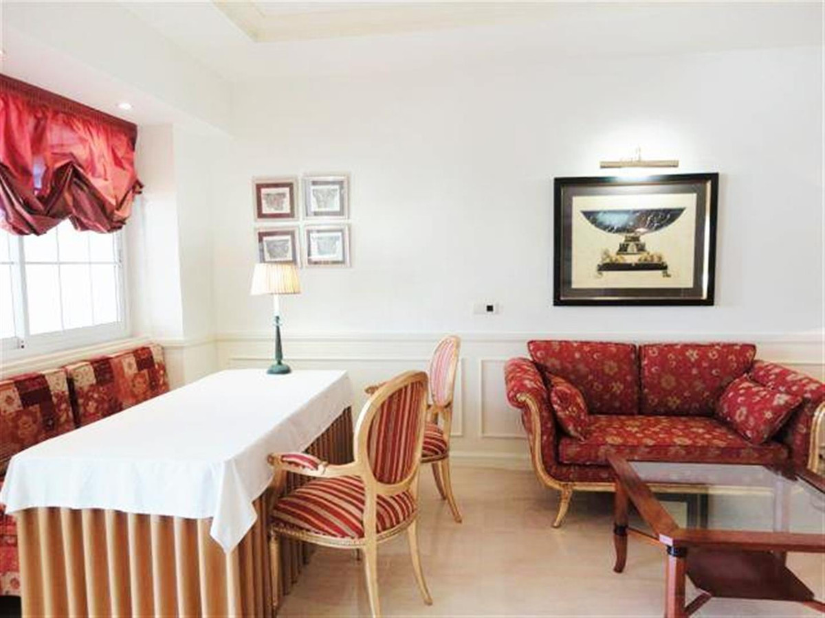 Apartamento Planta Media en The Golden Mile, Costa del Sol