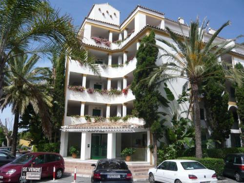 Appartement  Mi-étage en vente   à Cabopino