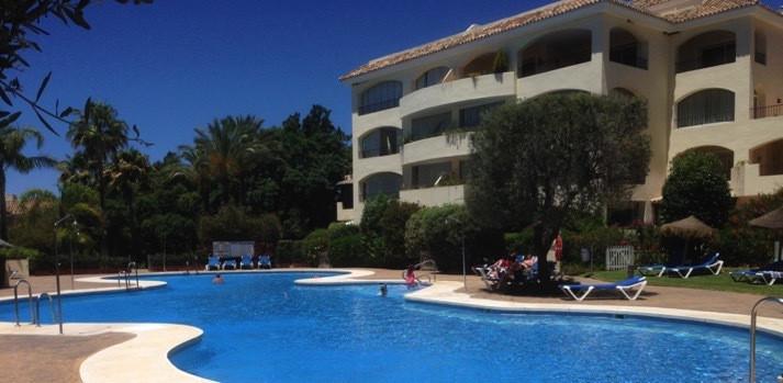 Apartment  Middle Floor for sale   in Bahía de Marbella