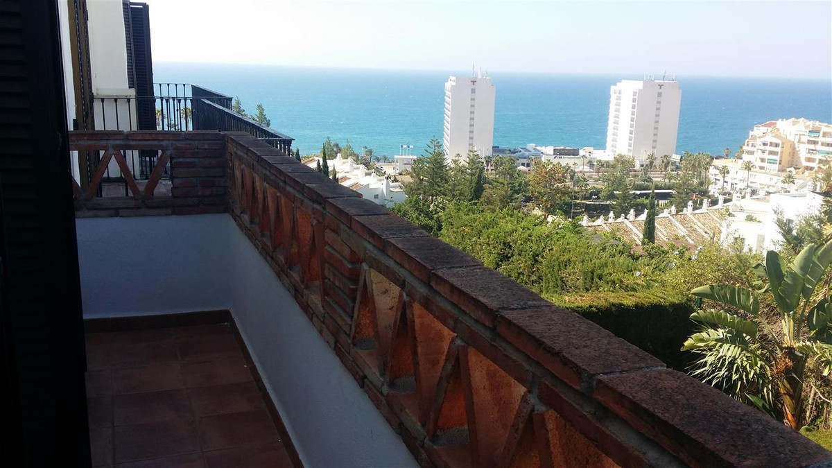 Villa  Semi Detached 													for sale  																			 in Benalmadena Costa