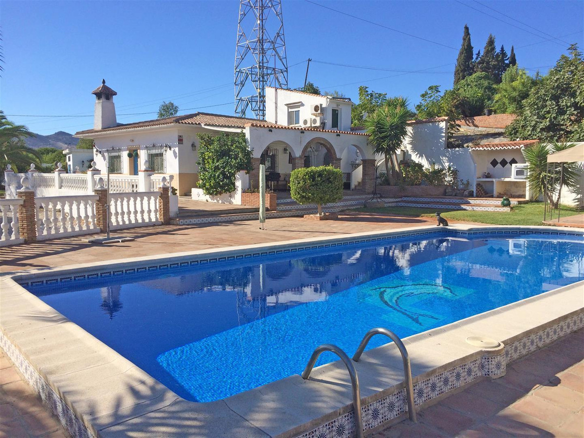 Villa  Finca 													for sale  																			 in Estacion de Cartama