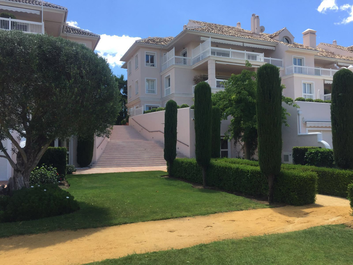 Apartamento, Planta Media en venta en Benahavís