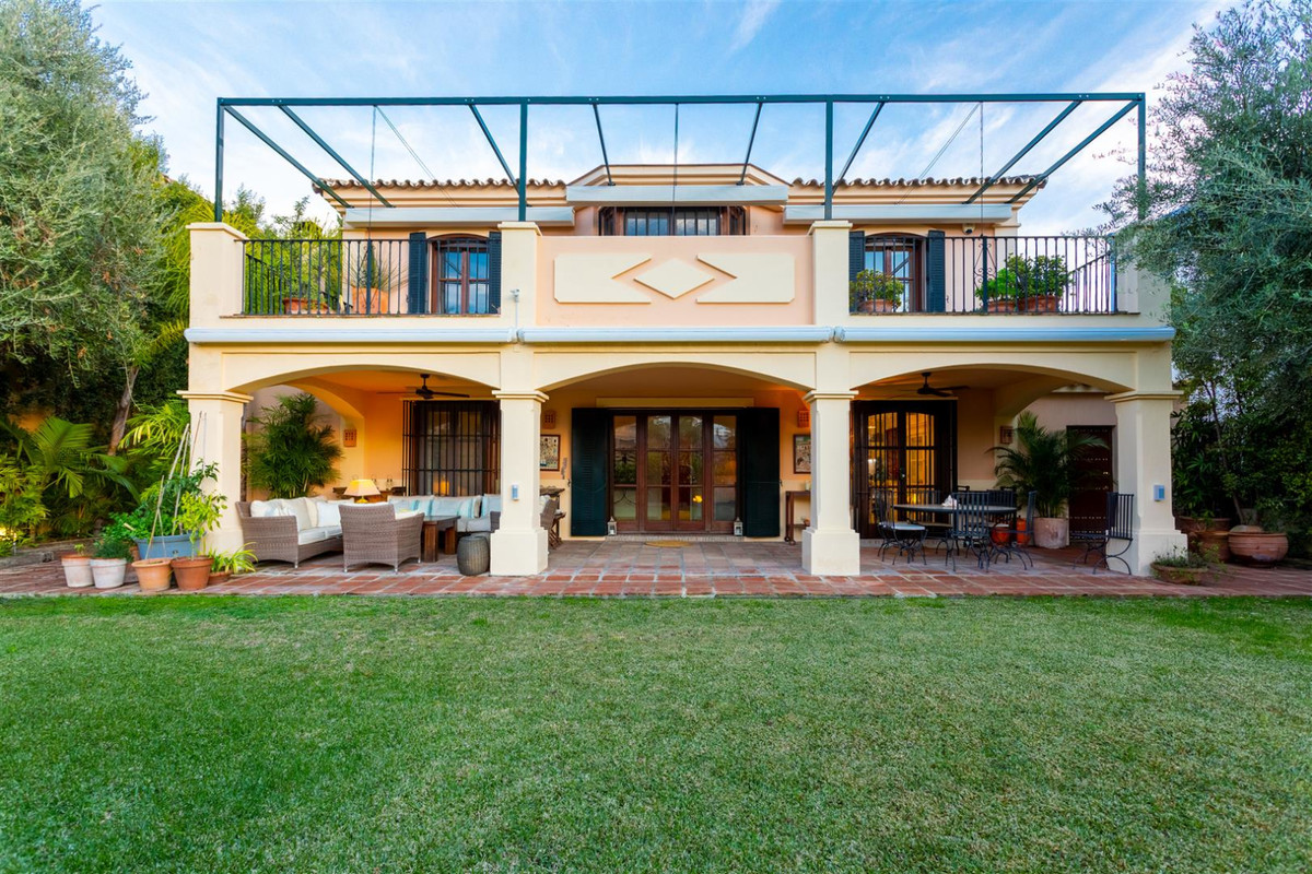Villa Detached in Guadalmina Alta, Costa del Sol