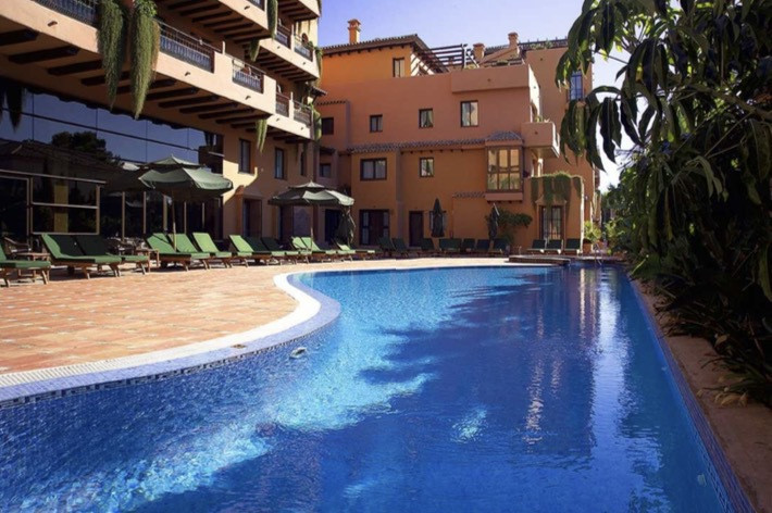 Apartment  Middle Floor for sale  and for rent  in Estepona