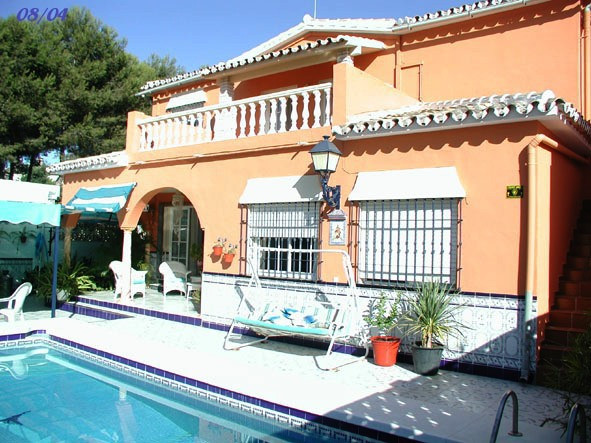 Villa  Detached 													for sale  																			 in El Coto