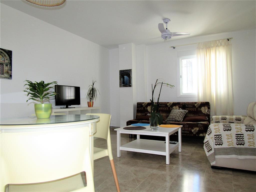 Appartement  Mi-étage en vente   à La Carihuela