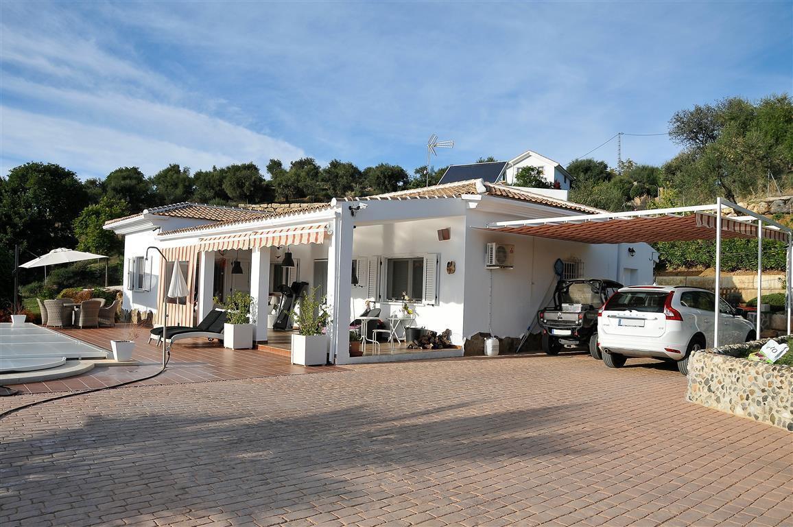 Villa  Finca en venta   en Tolox