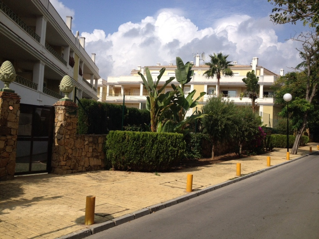 Apartment  Ground Floor for sale  and for rent  in Elviria