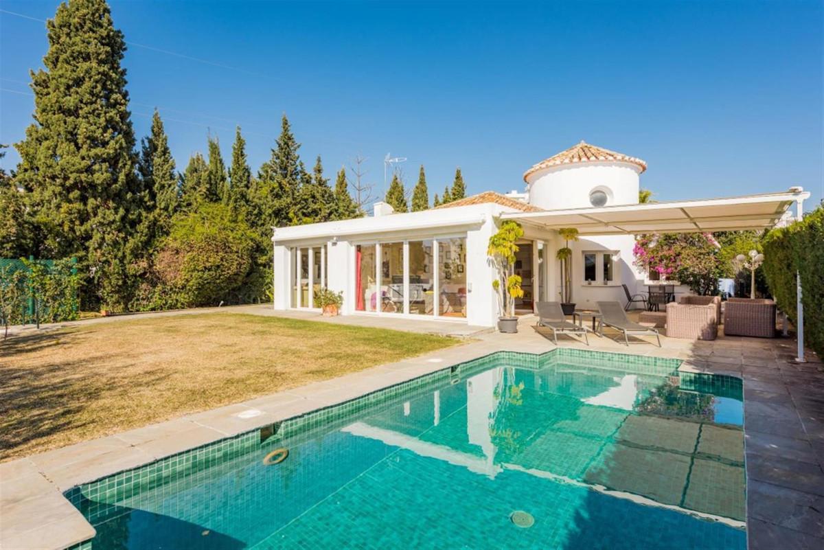 Villa, Detached for sale en Guadalmina Alta