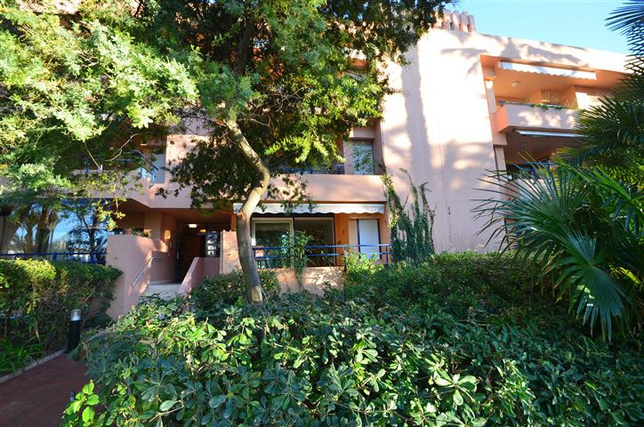 Apartment  Ground Floor 													for sale  																			 in Sotogrande