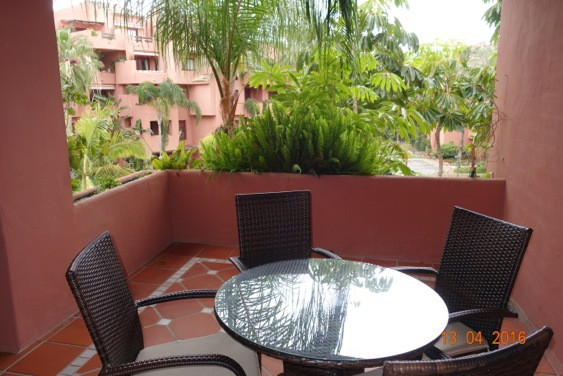 Apartment  Middle Floor 																					for rent 																			 in El Rosario
