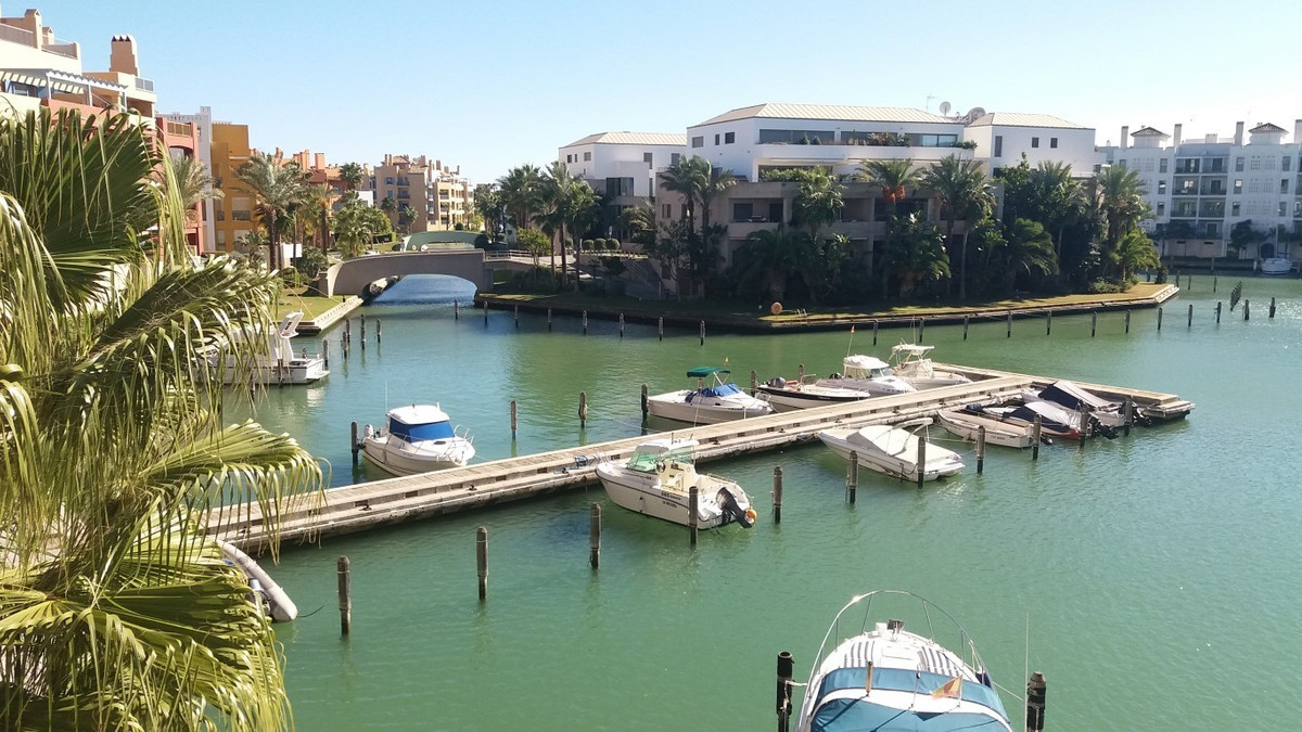 Apartment  Middle Floor for sale   in Sotogrande Marina