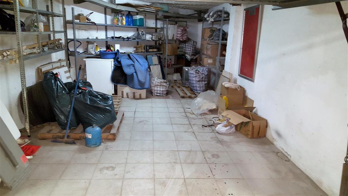Commerce, Garage  en vente    à La Duquesa