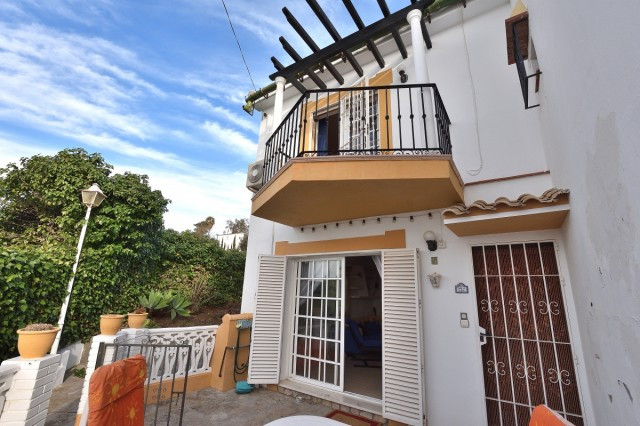 Townhouse  Terraced 													for sale  																			 in El Coto