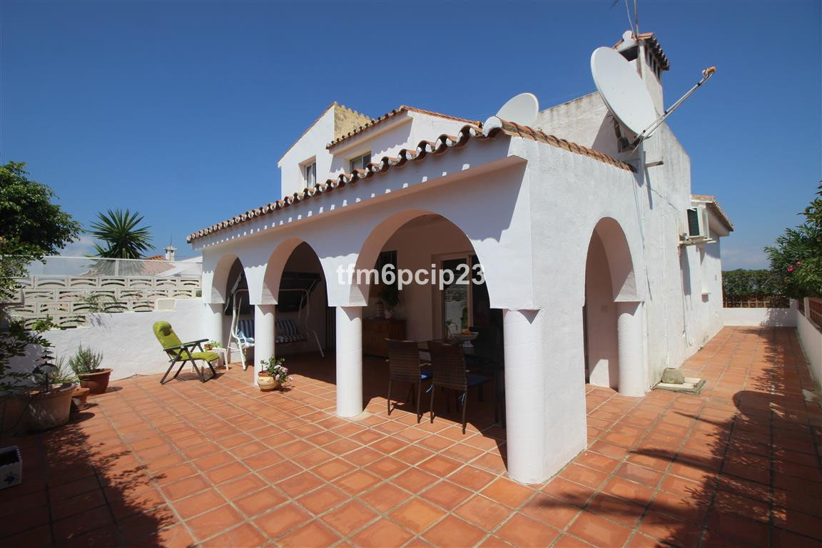 Villa  Semi Detached 													for sale  																			 in Manilva