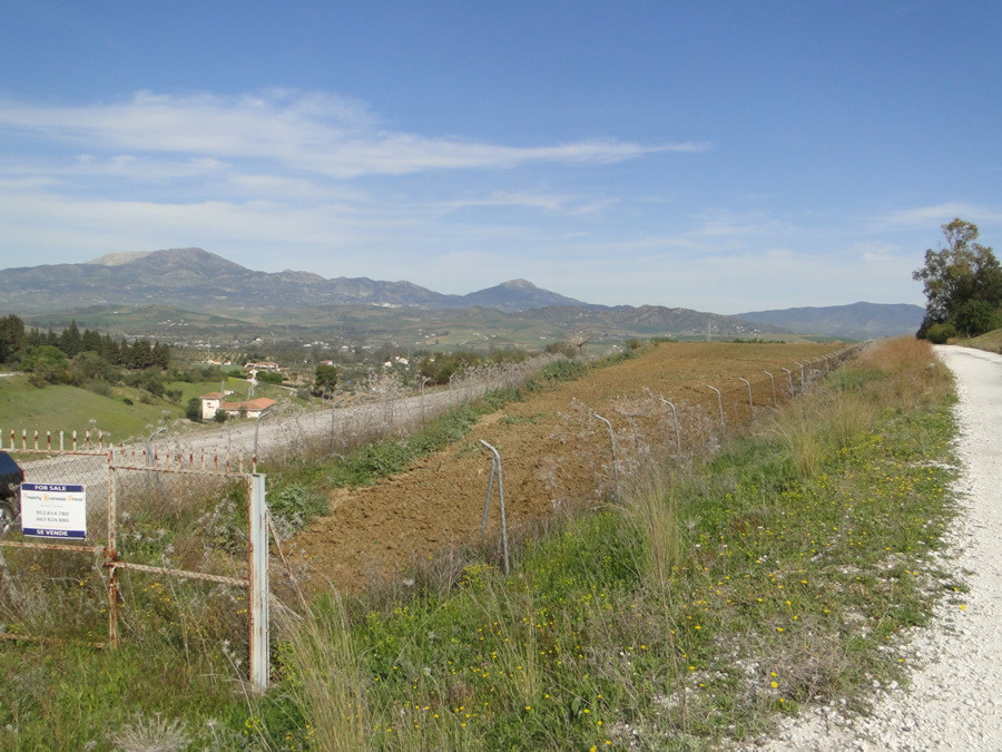 Plot  Land 													for sale  																			 in Coín