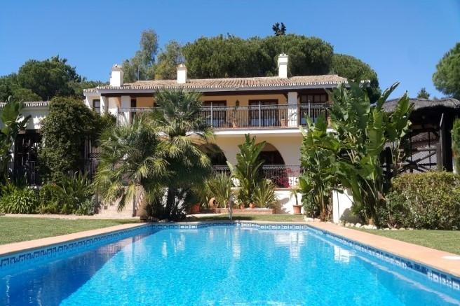 Villa  Individuelle en vente   à Calahonda