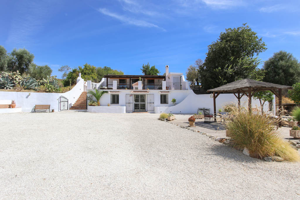 Villa  Detached for sale   in Casarabonela