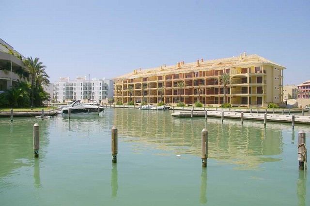 Apartment Middle Floor in Sotogrande Marina, Costa del Sol