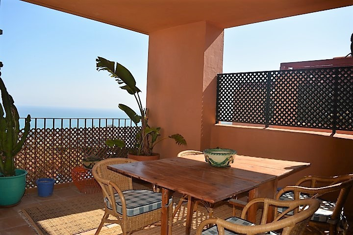 Apartment  Middle Floor for sale   in Manilva