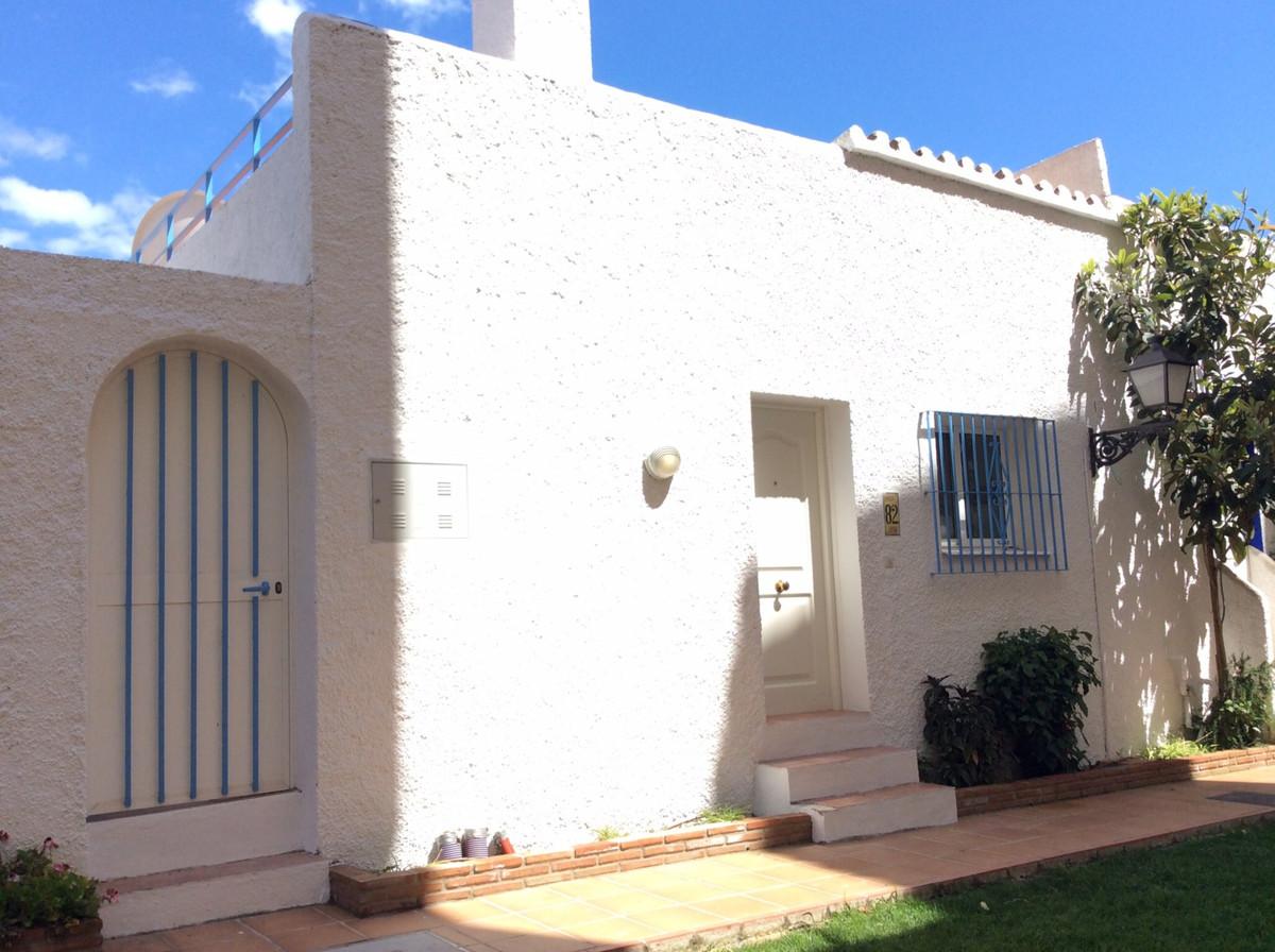 Maison Jumelée  Mitoyenne  à Estepona