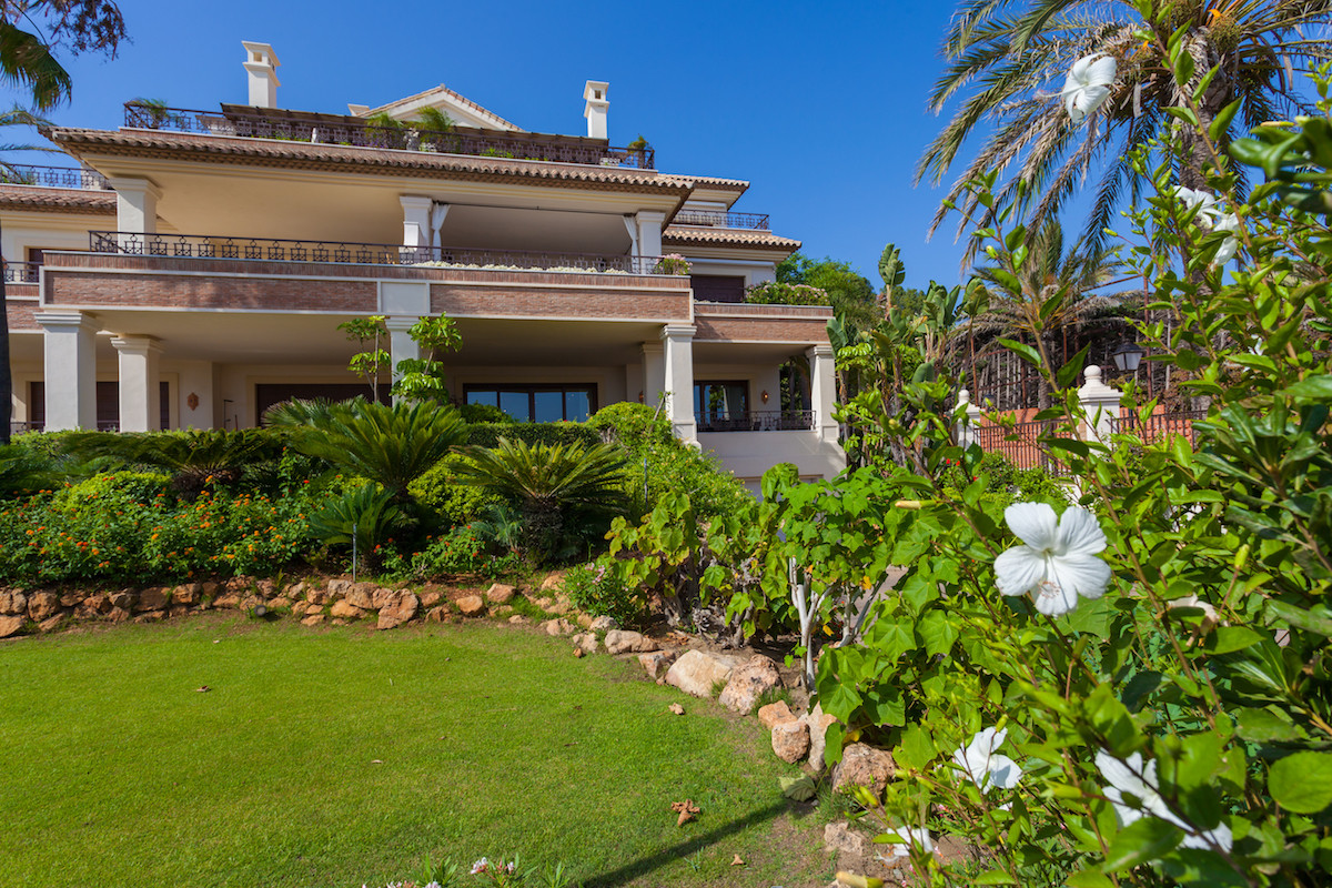 Apartment  Ground Floor for sale  and for rent  in Los Monteros